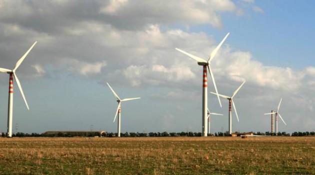 A ottobre in Scozia la luce delle case accesa dal vento