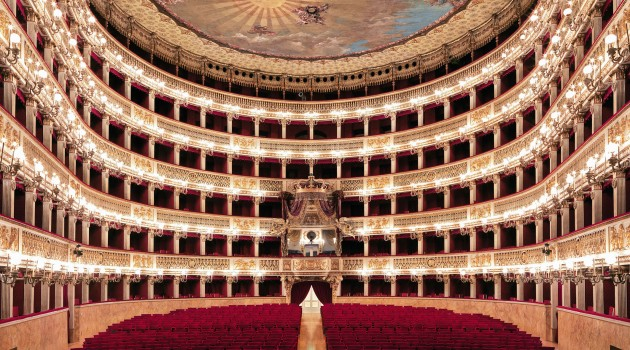 Regione Campania, 1,8 milioni per il Teatro San Carlo