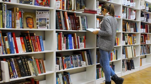 Valorizzare la lettura e la produzione letteraria: opportunità per i giovani del Lazio
